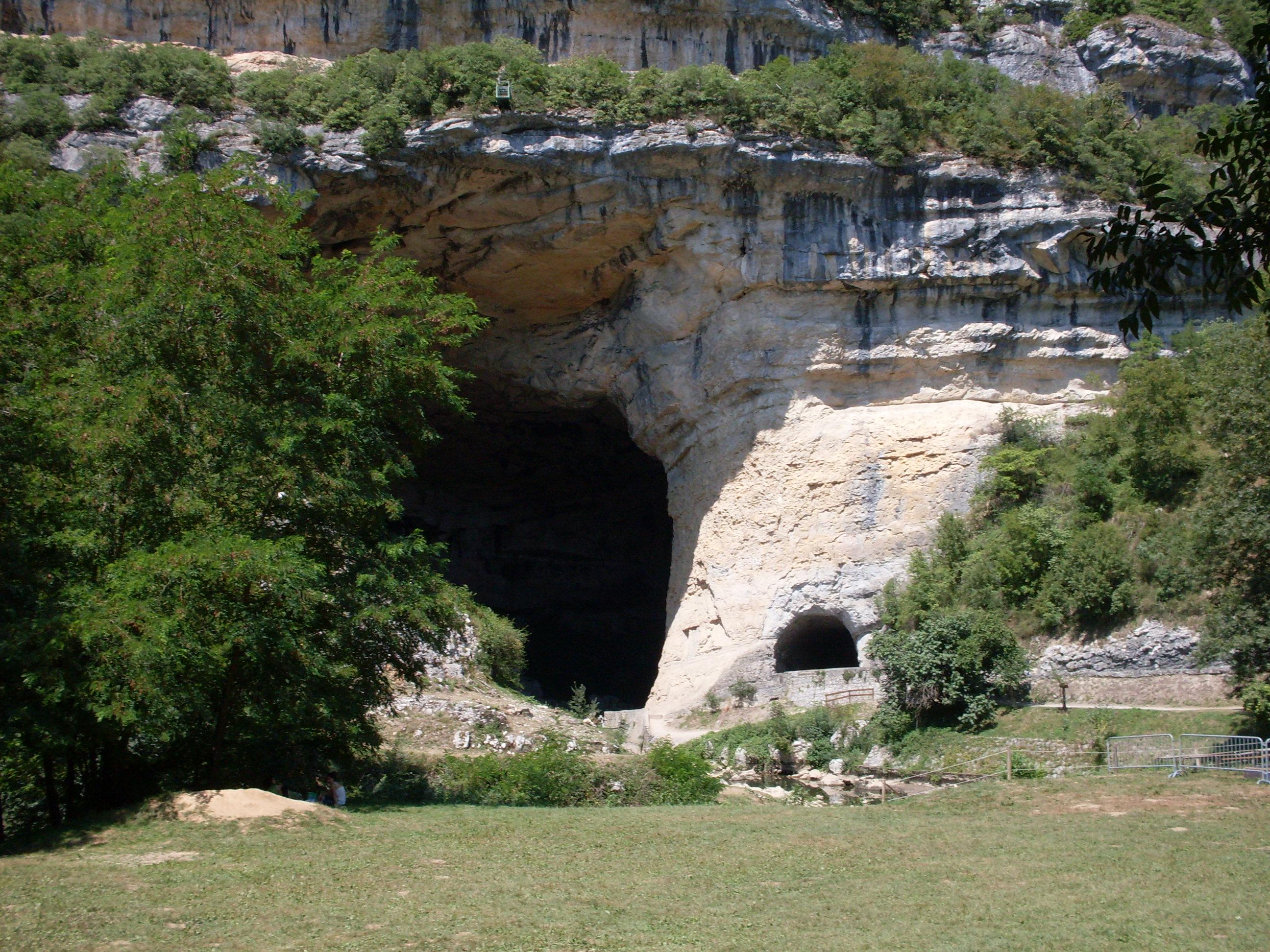 Mas-d'Azil-grotte_02.jpg